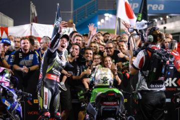 In Qatar Jonathan Rea vince Gara 1 del WorldSBK e Kawasaki ottiene il quinto Mondiale Costruttori consecutivo