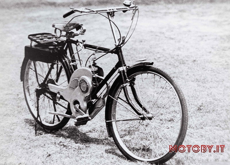 "1952: bicicletta a motore ""Power Free"""