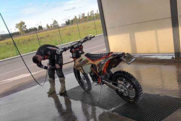 Lavaggio moto offroad - Acerbis