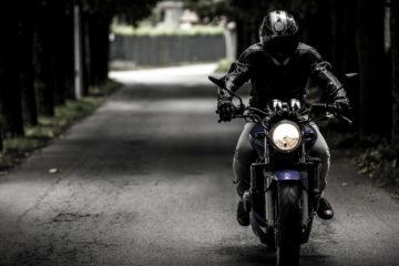 Motociclista - Foto di SplitShire da Pixabay