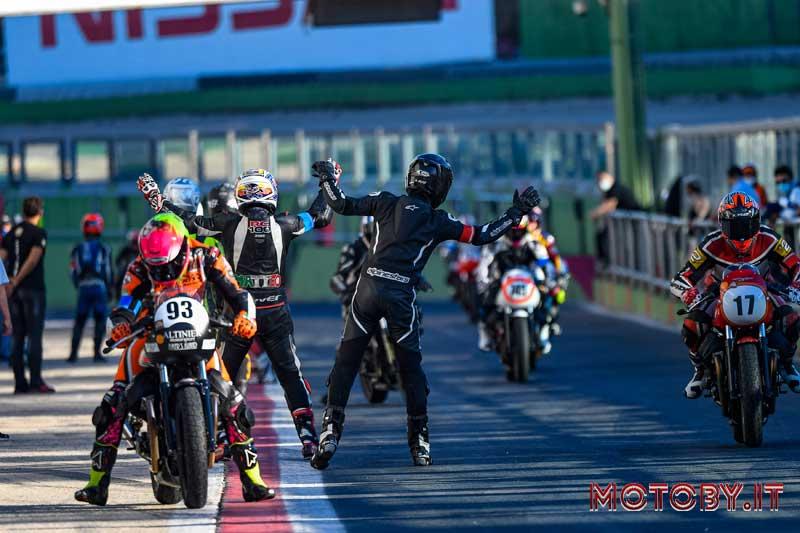 Moto Guzzi Fast Endurance 2020