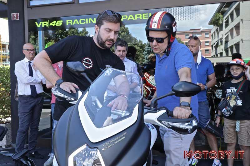 MV Agusta Lugano Forward Garage