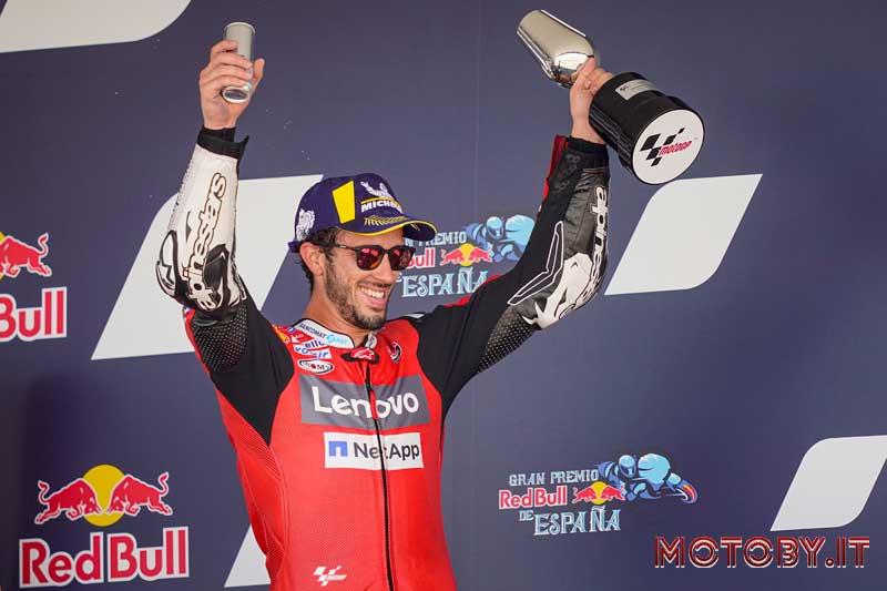Andrea Dovizioso sul podio a Jerez