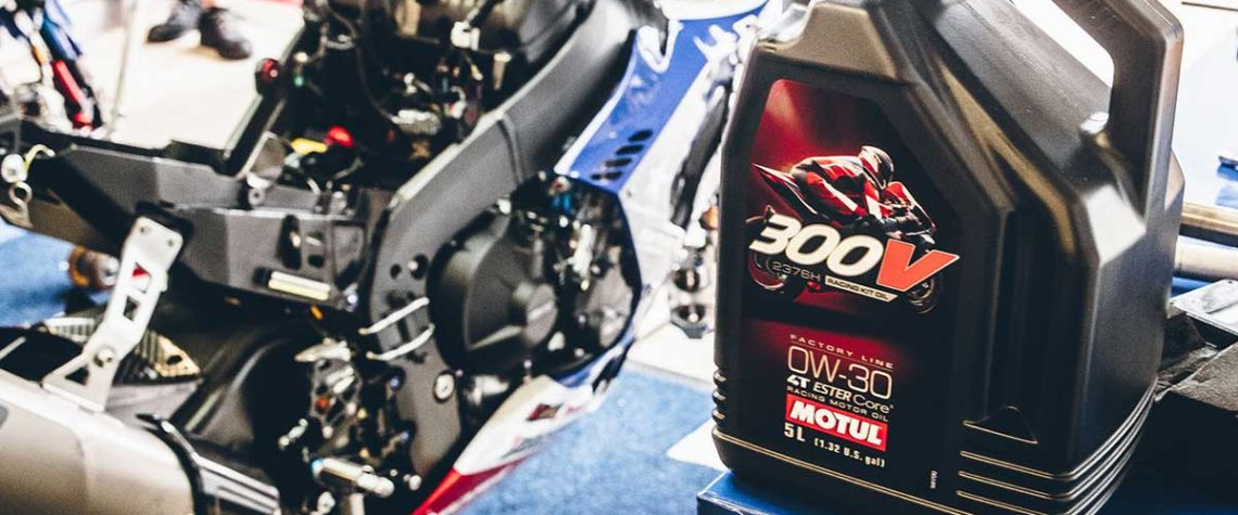 Motul 300V Factory Line Racing Kit Oil 0W-3