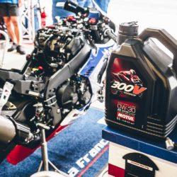 Motul 300V Factory Line Racing Kit Oil 0W-3