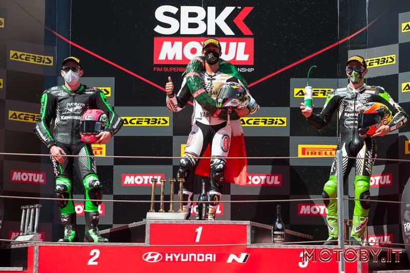 Kawasaki Puccetti Racing podio Catalogna Superbike