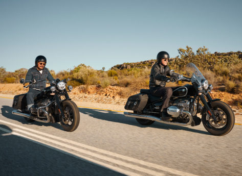 BMW R 18 Classic on the road