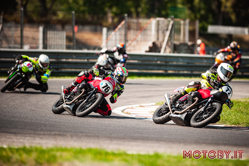 Moto Guzzi Fast Endurance 2021