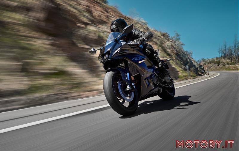 Yamaha YZF700R7