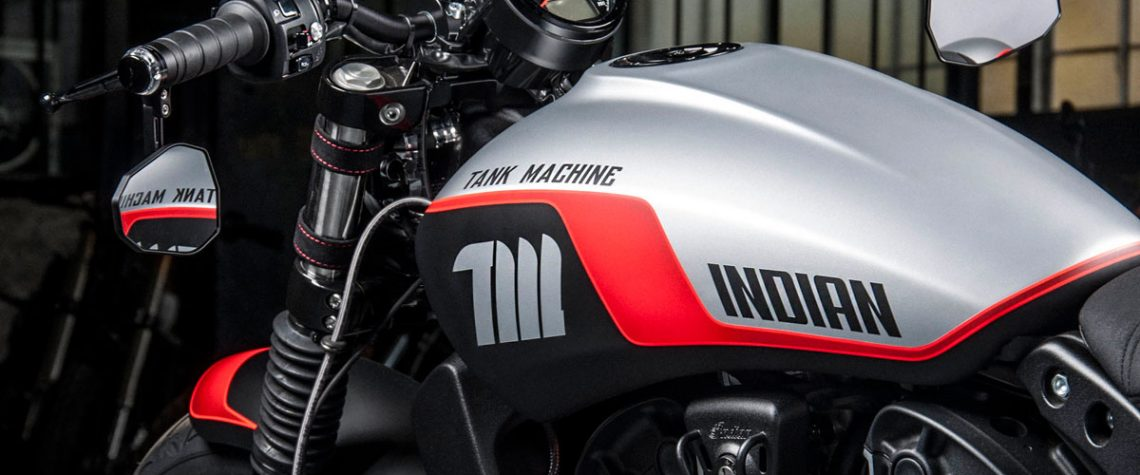 Indian Scout Bobber Sixty per la serie Limited Edition NEON Series