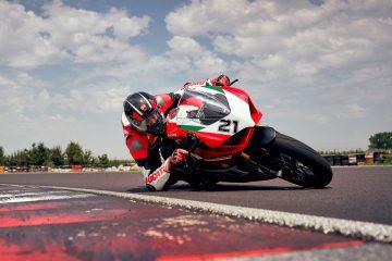 Ducati Panigale V2 Bayliss: comincia la produzione